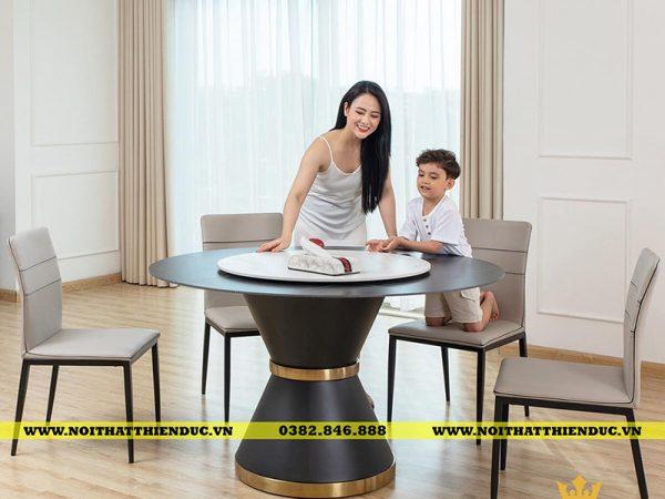 Mẫu bàn tròn ghế Era làm siêu lòng mọi ánh nhìn